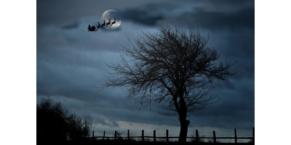 Don't Miss Seeing Santa's Sleigh In The Sky This Christmas Eve