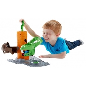 Thomas Take-n-Play Rattling Rails £8.99