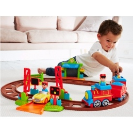ELC HappyLand Country Train Set £20