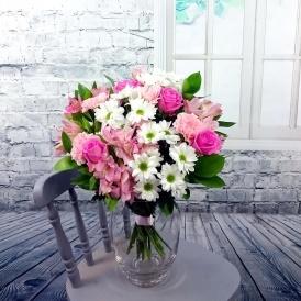Mums Fresh Flower Bouquet £19.49