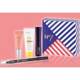 FREE No7 Gift  @ Boots