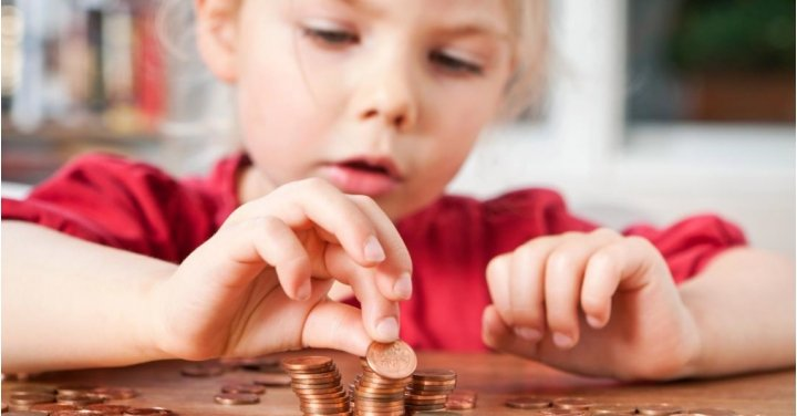 Does Playing With Money Make Kids More Selfish