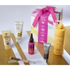 FREE Beauty Box WYS £40 @ Boots