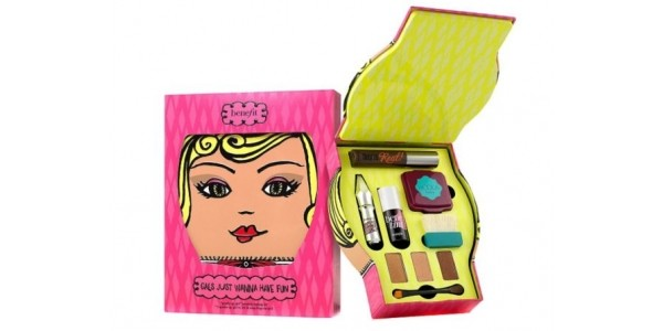 Boots Star Gift: Benefit Gals Just Wanna Have Fun Makeup Kit Now £29.50