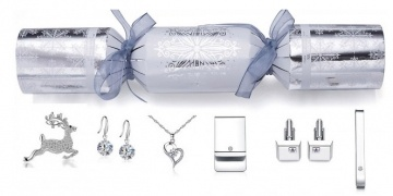 6-luxury-crackers-made-with-crystals-from-swarovski-gbp-4299-gbp-399-del-go-groopie-168284