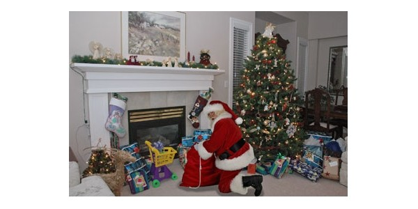 Personalise A Photo Of Father Christmas In Your Home @ Capture The Magic
