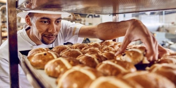 FREE Hot Cross Bun Giveaway @ Morrisons