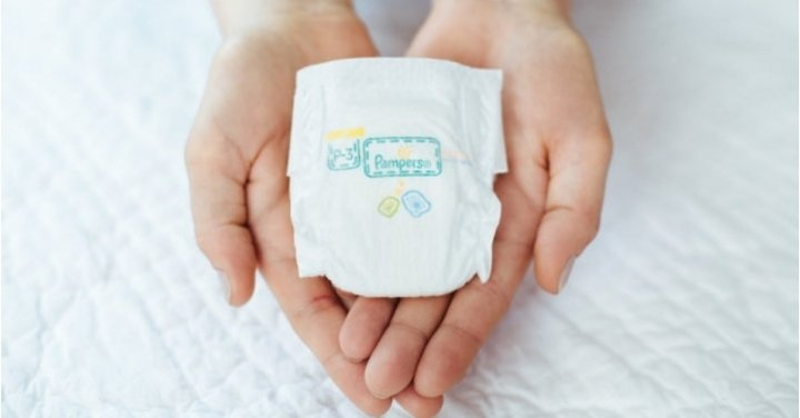Premature Baby Gifts Ireland : Pampers launches it s smallest ever nappy for premature babies