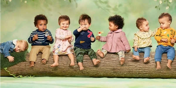 Get Up To 40% Off The New Disney Snow White & The Seven Dwarfs Collection @ Gap