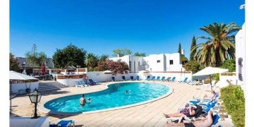 seven-night-portugal-break-including-villa-flights-transfers-for-up-to-four-people-from-gbp-129pp-wowcher-180059