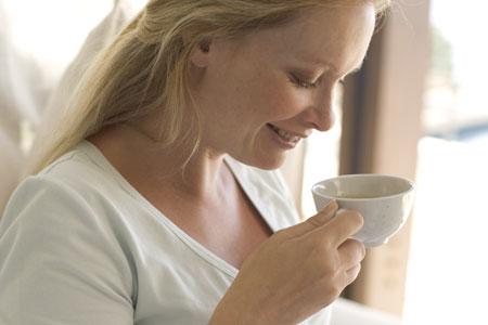 woman_drinking_tea