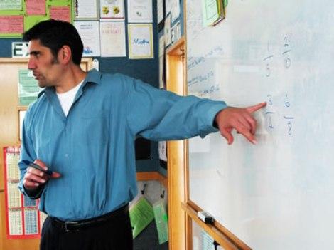 teacher_secondarymanwhiteboard