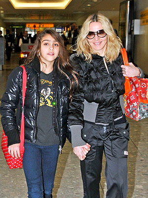 madonna-with-daughter-lourdes