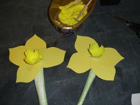 Make a daffodil 1