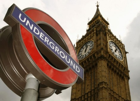 Top Tips For Finding Cheap Train Tickets underground sign and big ben