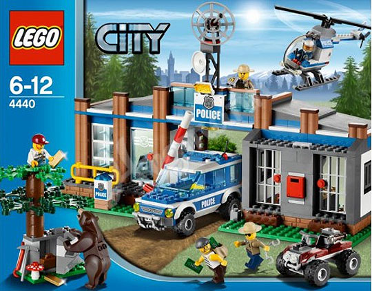 Lego City 4440 Forest Police Station 3999 At Amazon