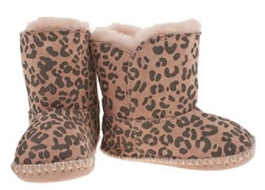 6bd21fbb957 Girls Ugg Boots Just £21.99 @ Schuh