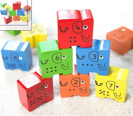 Elephant stacking blocks 1