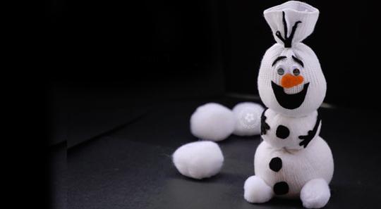 sock-snowman