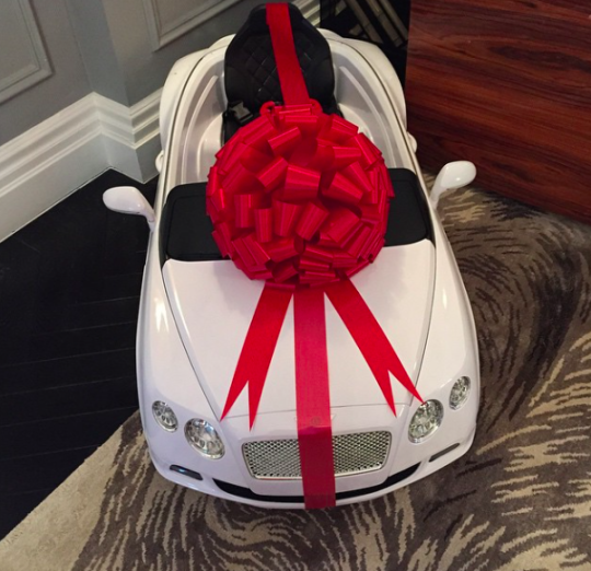 Cars Cake Design Red Ribbon : Tamara Ecclestone s Daughter Sophia Gets A Baby Bentley ...