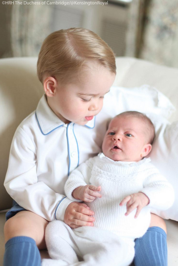 Princess Charlotte and Prince George first pictures
