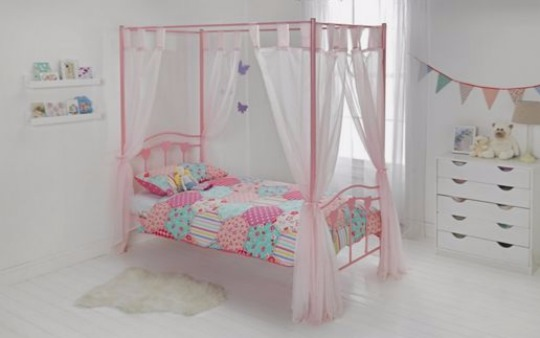 heart four poster bed pm