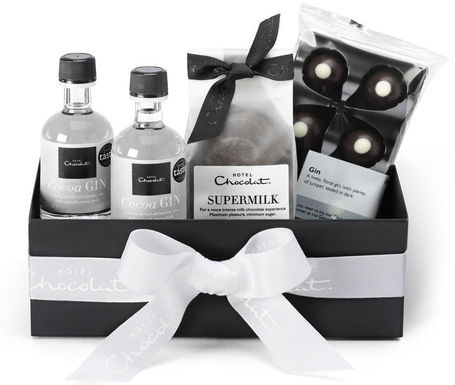 The Ultimate Gin Lovers Gift Guide Featuring Rhubarb Gin, Hendrick's & More!