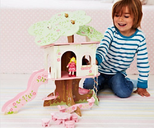 Rosebud Village Wooden Tree House £20 @ ELC