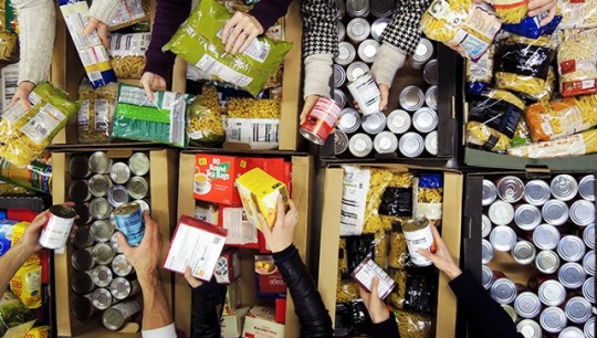 Parents Arrested For Stealing Out Of Date Food From Supermarket Bin