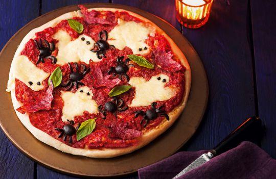 Make Haunted Halloween Pizza